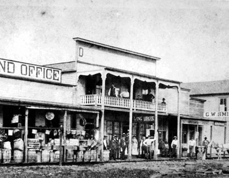 1882 View of 100 N Broadway Bartow